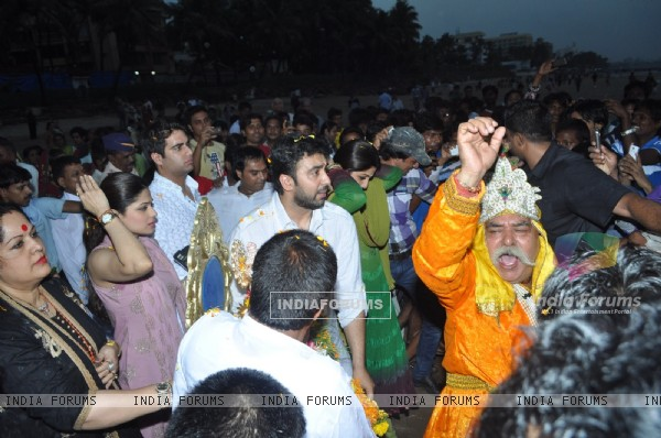 Shamita Shetty and Raj Kundra at Ganpati Visarjan