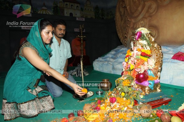 Bhumika Chawla with husband Bharat Thakur at Ganesh Chaturthi Festival