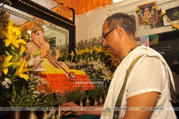 Nana Patekar celebrating Ganesh Chaturthi