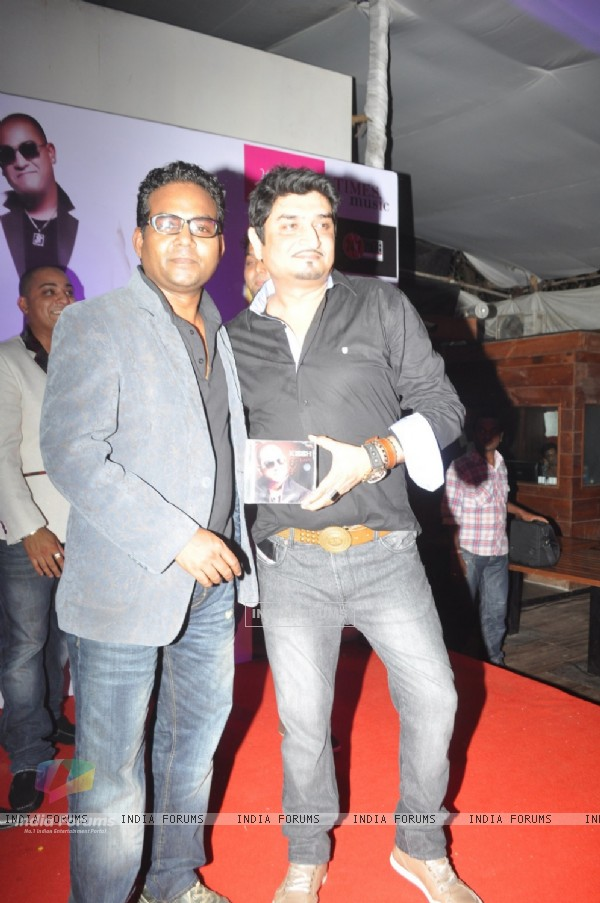 Bollywood singer and composer Neeraj Shridhar during the launch of his debate music album LADY at ky Lounge in Juhu in Mumbai.