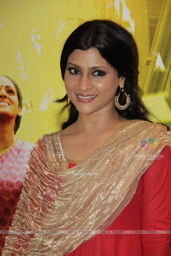 Bollywood actress Konkona Sen Sharma at Red carpet of English Vinglish in Mumbai (Photo: IANS/Sanjay)