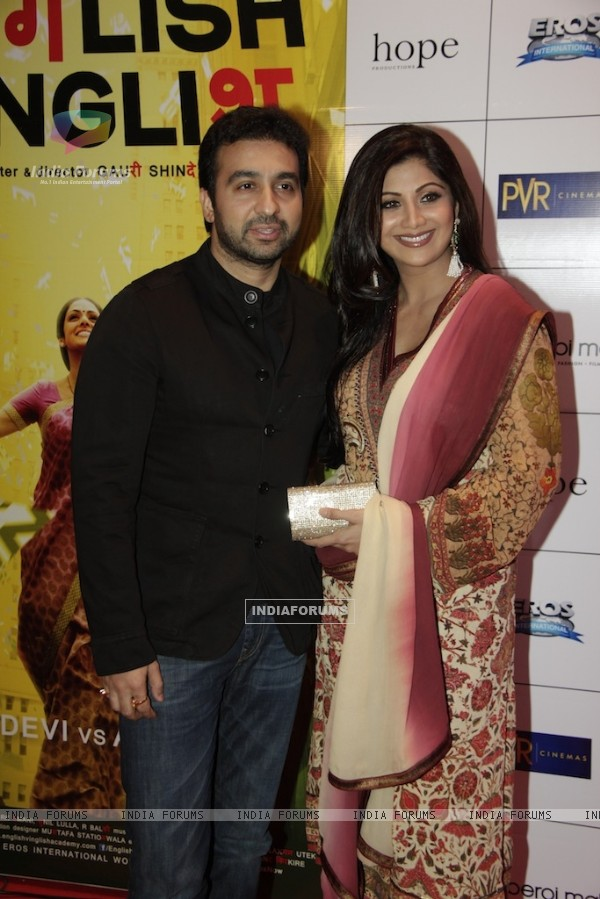 Bollywood actress Shilpa Shetty with her husband Raj Kundra at Red carpet of English Vinglish in Mumbai (Photo: IANS/Sanjay)