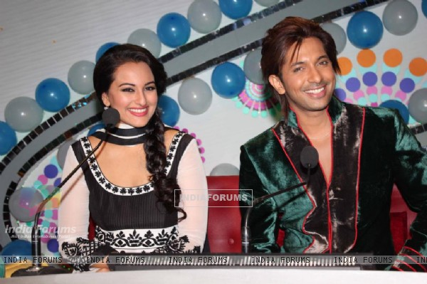Bollywood celebrities Sonakshi Sinha with Terence Lewis on the sets of Hindustan Ke Hunarbaaz in Mumbai.