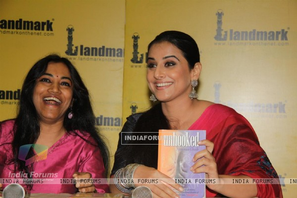 Vidya Balan at the launch of book Unhooked by author Munmun Ghosh