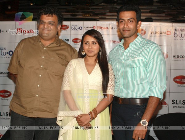 Bollywood actress Rani Mukherjee and Director Sachin Kundalkar with Malayalam film actor Prithviraj at a press meet to promote their film ''Aiyyaa, in New Delhi. (Photo: IANS/Amlan)