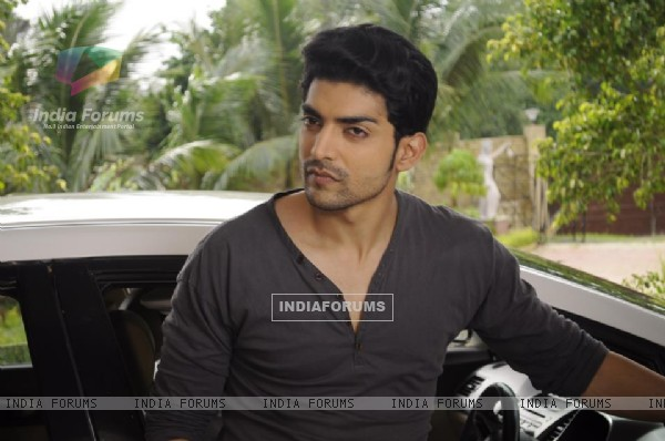 Gurmeet as Yash Scindia