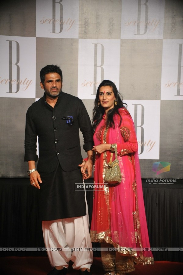 Suniel Shetty with wife Mana at Amitabh Bachchan's 70th Birthday Party