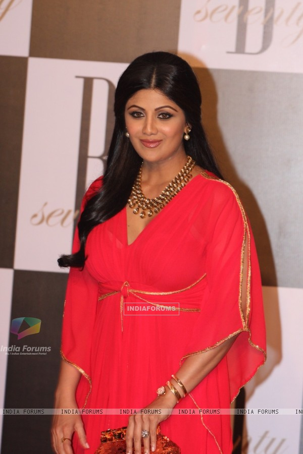 Shilpa Shetty at Amitabh Bachchan's 70th Birthday Party at Reliance Media Works in Filmcity
