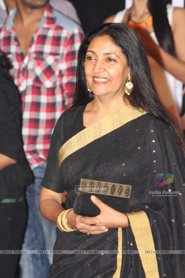 Deepti Naval at Amitabh Bachchan's 70th Birthday Party at Reliance Media Works in Filmcity