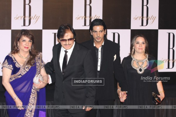 Zarine Khan, Sanjay Khan, Zayed Khan, Malaika Parekh at Amitabh Bachchan's 70th Birthday Party