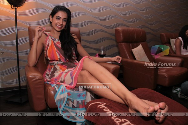 Bollywood actress Sarah Jane Dias at Aroma Spa launch at Palladium Mall in Lower Parel, Mumbai.