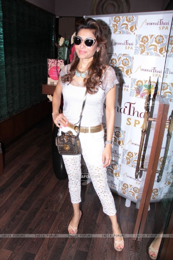 Socialite Queenie Singh at Aroma Spa launch at Palladium Mall in Lower Parel, Mumbai.