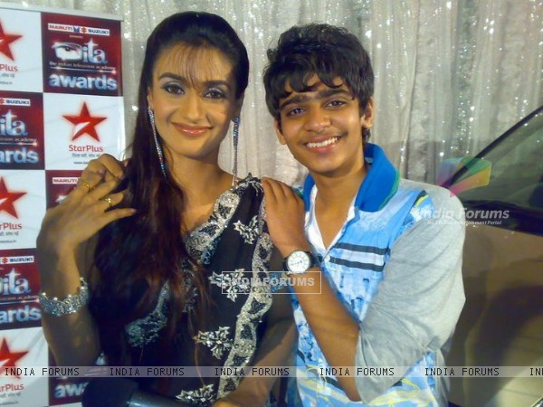 Rati Pandey with her fan