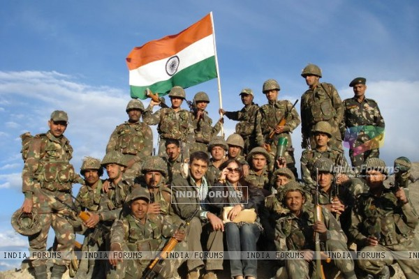 Mohnish Bahl & his wife with Indian Army