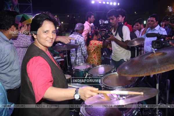 Falguni Pathak grand rehearsal for upcoming Navratri Festival