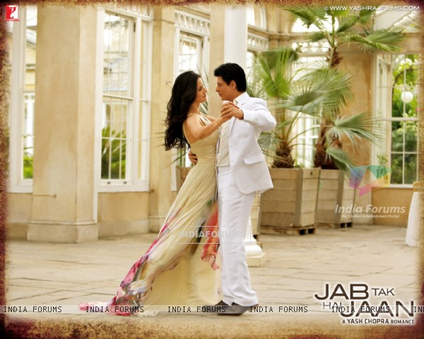 Shah Rukh Khan and Katrina Kaif in Jab Tak Hai Jaan (232795)