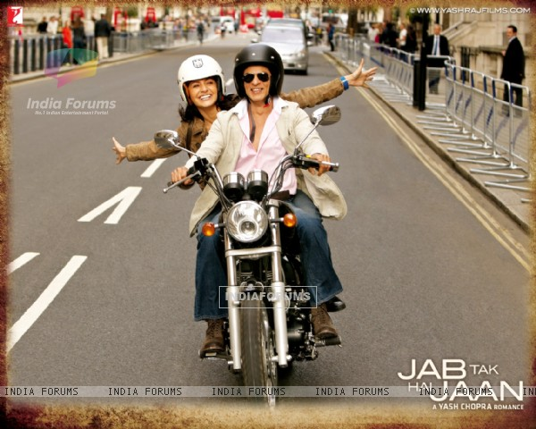 Shah Rukh Khan and Anushka Sharma in Jab Tak Hai Jaan (232797)