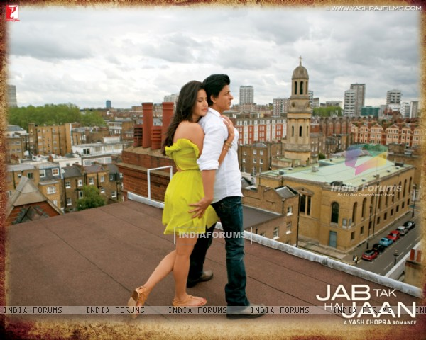 Shah Rukh Khan and Katrina Kaif in Jab Tak Hai Jaan (232804)