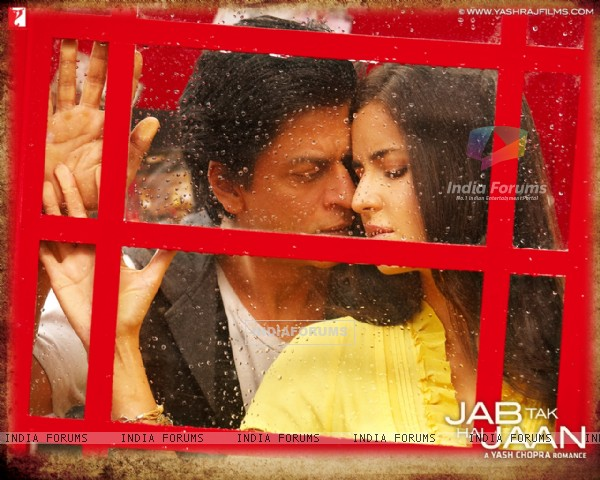 Shah Rukh Khan and Katrina Kaif in Jab Tak Hai Jaan (232810)