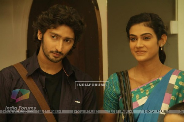 Aakanksha Singh : Megha and Mohan (233031) (Page: 4)