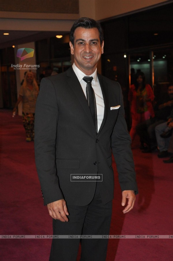 Ronit Roy at Opening ceremony of 14th Mumbai Film Festival