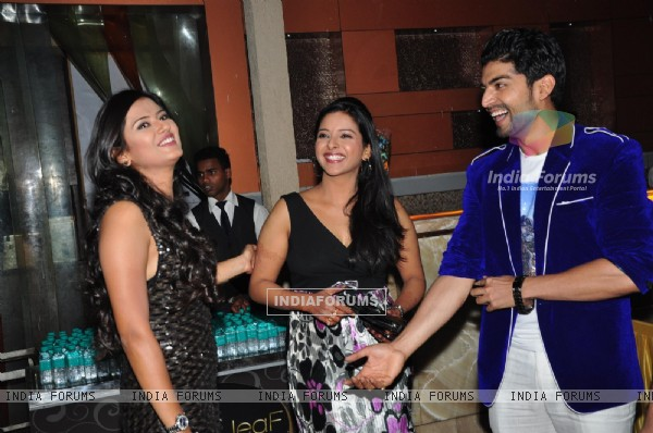 Gurmeet & Debina celebrate his Jhalak success