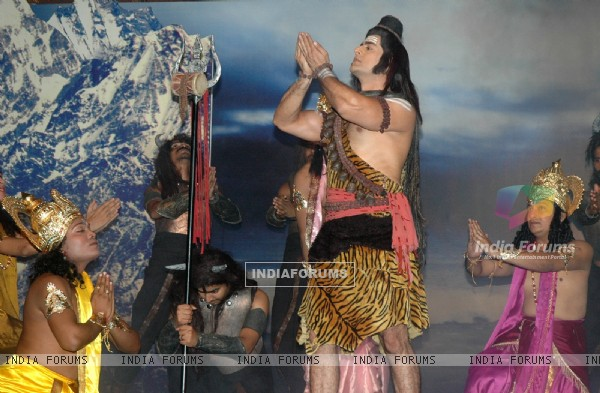 Mohit Raina acted Mahadev in TV show Devon ke Dev Mahadev
