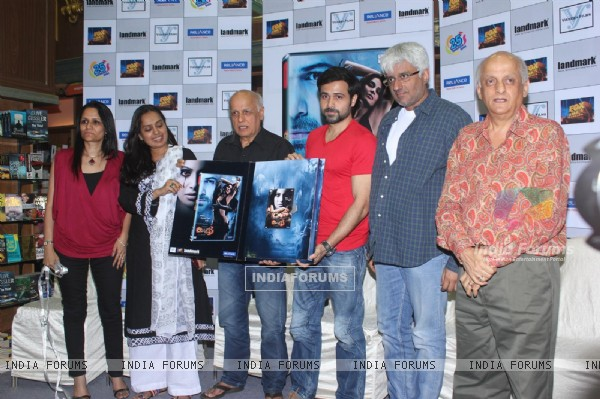 Mahesh Bhatt, Emraan Hashmi, Vikram Bhatt and Mukesh Bhatt at Film Raaz 3 DVD Launch (237842)