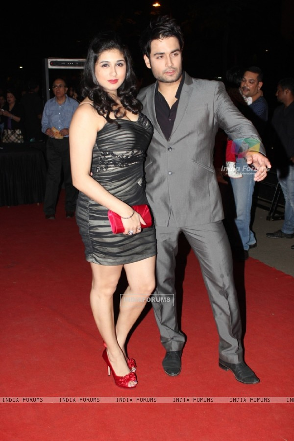 Vivian Dsena with girlfriend Vahbiz Dorabjee at ITA Awards 2012