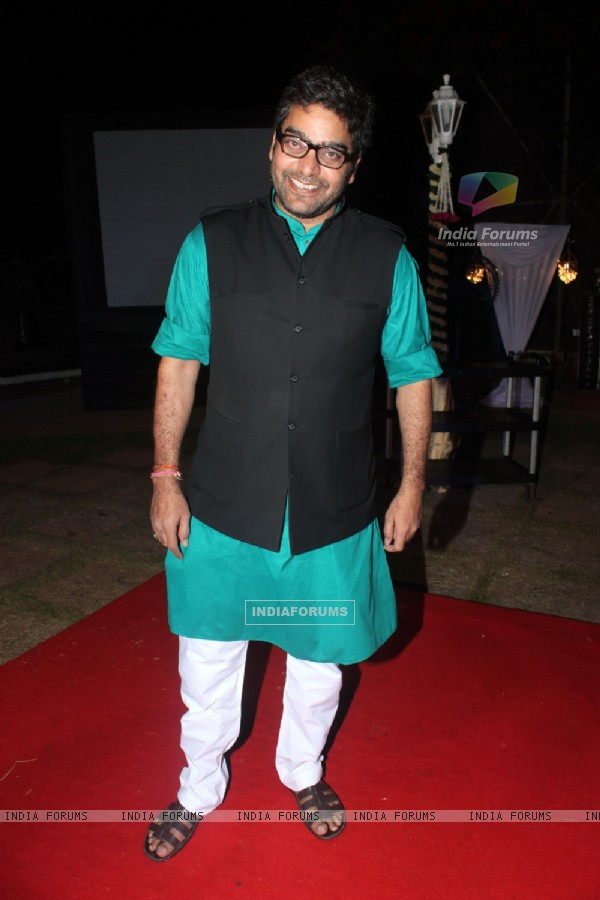 Surprise birthday party of Ashutosh Rana