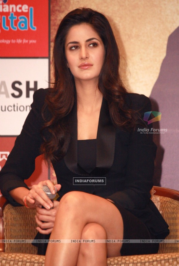 Katrina Kaif at a press conference for the film Jab Tak Hai Jaan (238949)