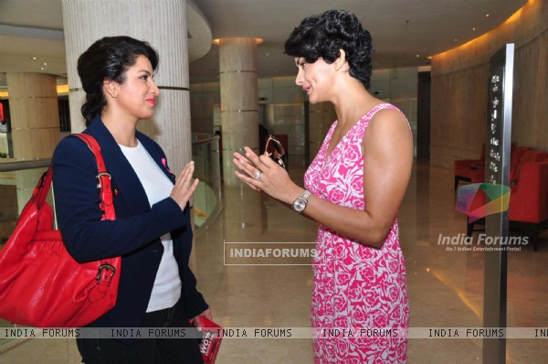 Gul Panag & Tisca Chopra at the felicitation ceremony of Breast Cancer Patients