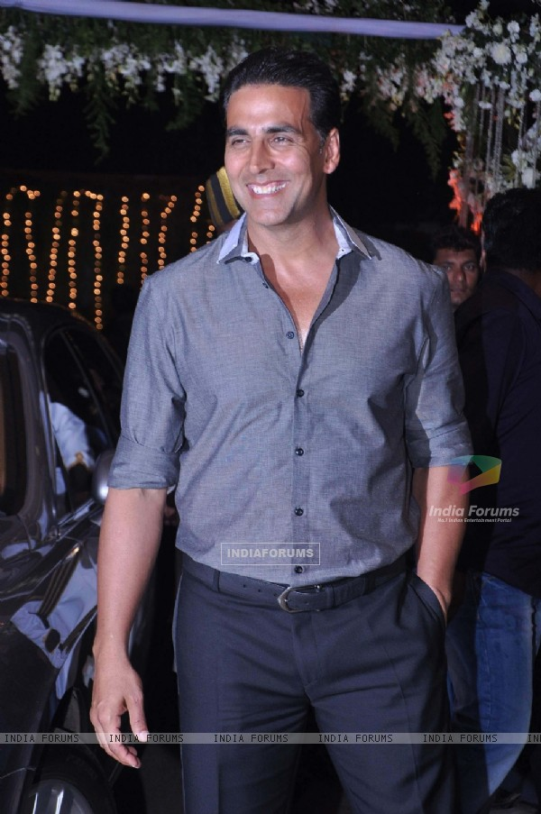 Akshay Kumar during the wedding reception party of Mahek Shetty