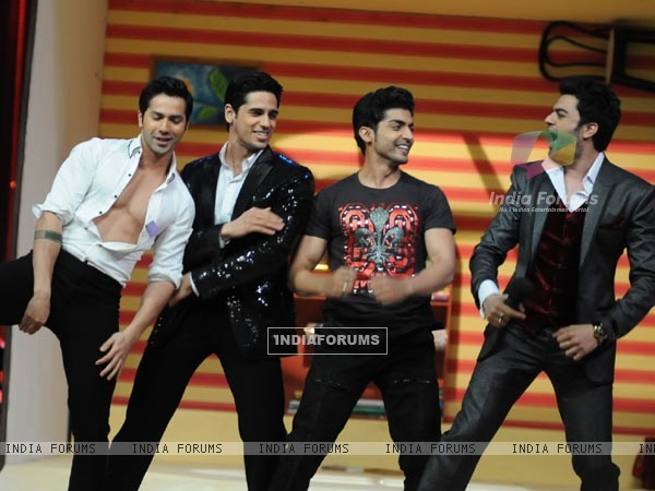 Varun Dhawan, Siddharth Malhotra, Gurmeet Choudhary and Manish Paul