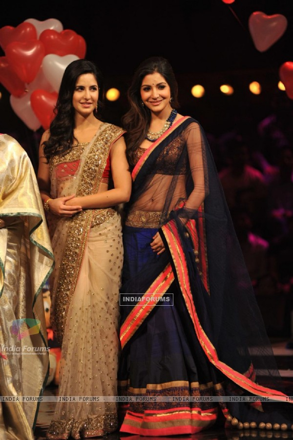 Katrina & Anushka on the sets of India's Got Talent during the promotion of Jab Tak Hai Jaan
