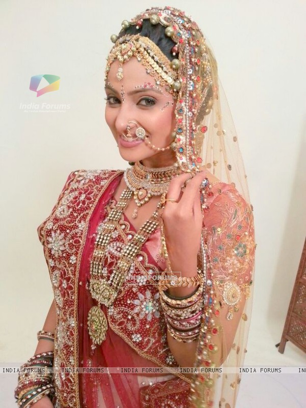 Aleeza Khan in bridal