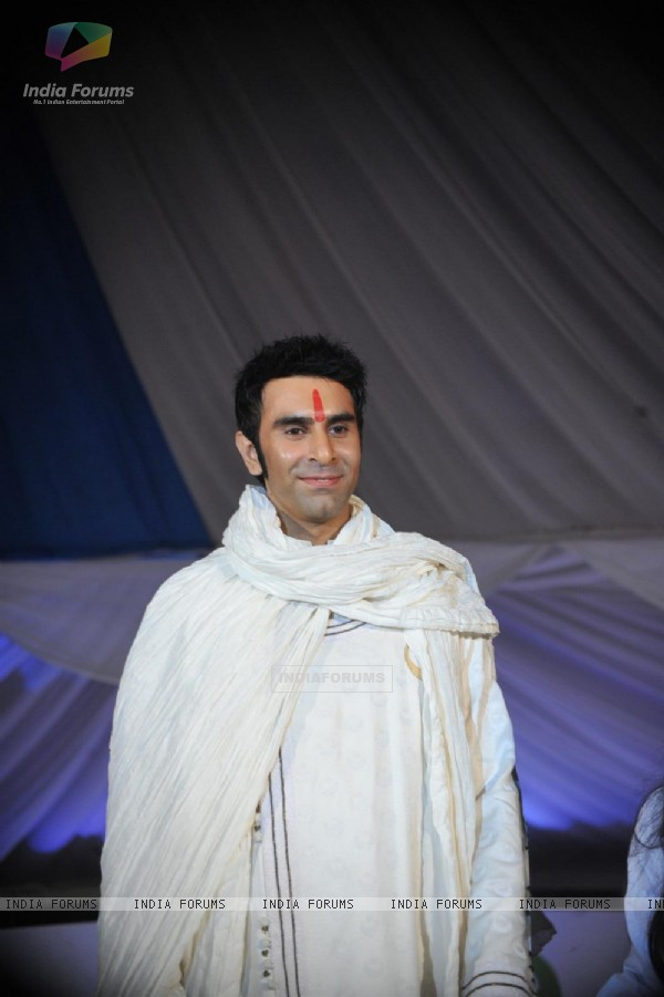 Sandip Soparrkar Walks For 'Global Peace Initiative'