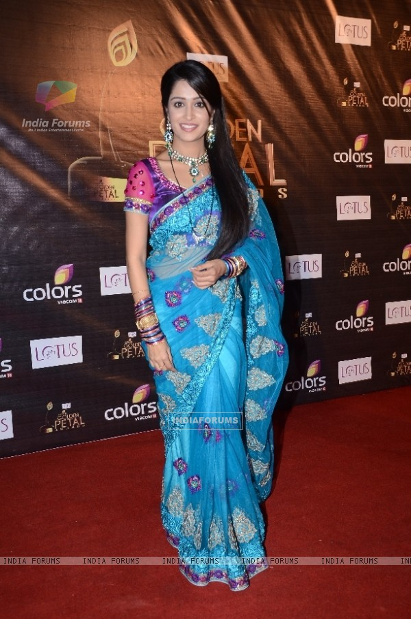 Dipika Samson as Simar of Sasural Simar Ka at Colors Golden Petal Awards Red Carpet Moments