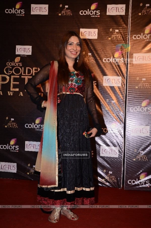 Pooja Mishra at Colors Golden Petal Awards Red Carpet Moments