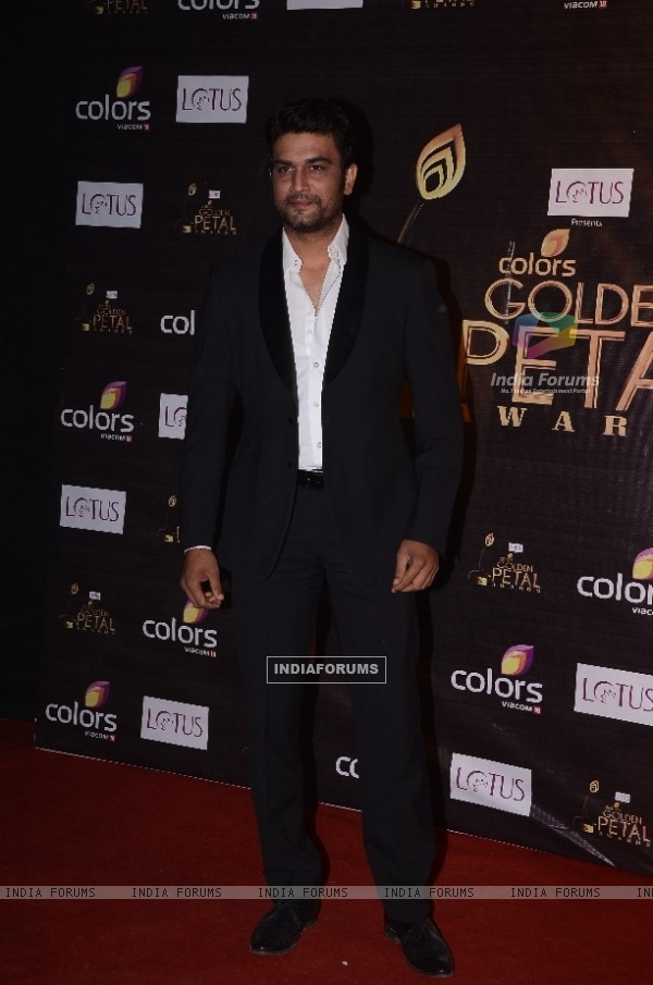 Sharad Kelkar at Colors Golden Petal Awards Red Carpet Moments