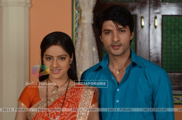 Anas Rashid and Deepika Singh as Sooraj and Sandhya in Diya Aur Baati Hum