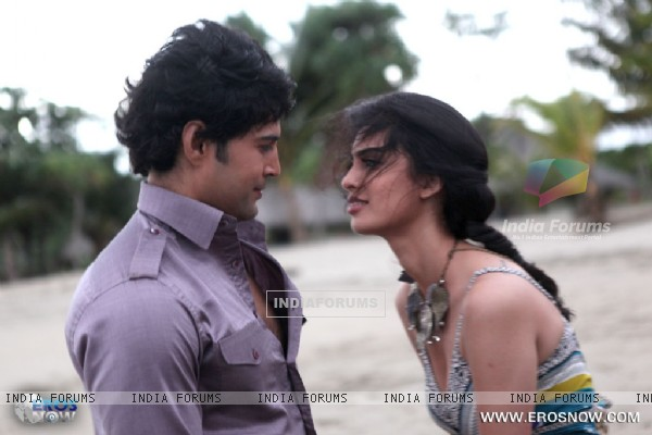 A still of Tena Desae with Rajeev Khandelwal from the movie Table No. 21 (247185)