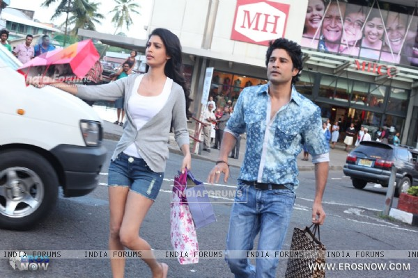 A still of Tena Desae with Rajeev Khandelwal from the movie Table No. 21 (247188)