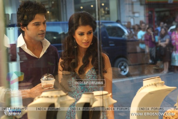 A still of Tena Desae with Rajeev Khandelwal from the movie Table No. 21 (247189)