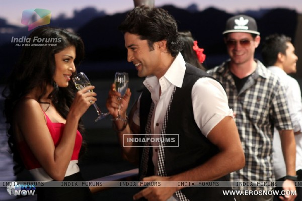 A still of Tena Desae with Rajeev Khandelwal from the movie Table No. 21 (247192)