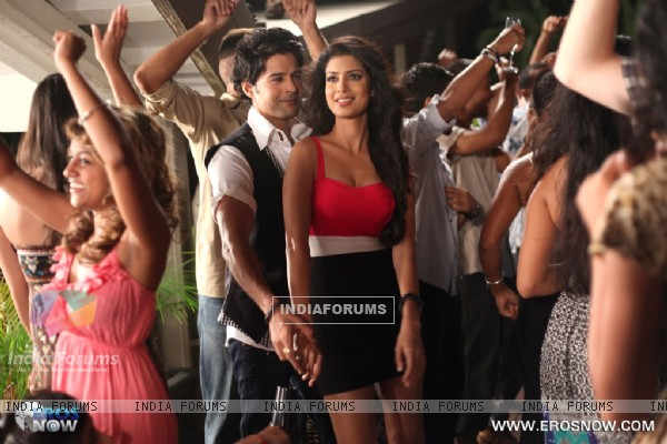 A still of Tena Desae with Rajeev Khandelwal from the movie Table No. 21 (247197)