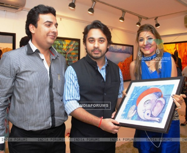 Sunita Wadhawan inaugurated painting exhibition