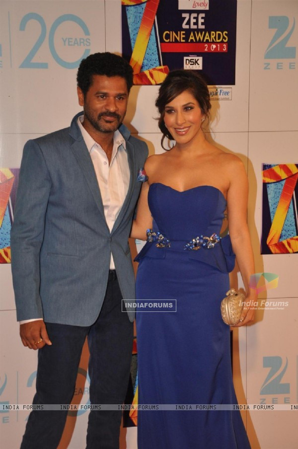 Prabhu Deva and Sophie Choudhary at Zee Cine Awards 2013