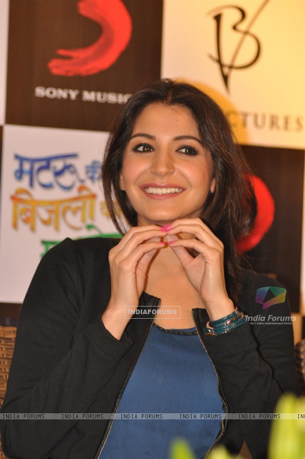 Anushka Sharma at Press Meet Film Matru ki Bijlee ka Mandola