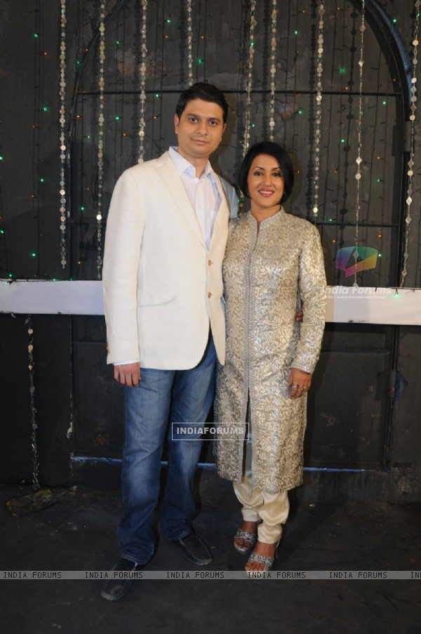 Siddharth Kasyap with Madhushree at the shoot of his video album Rock On Hindustan